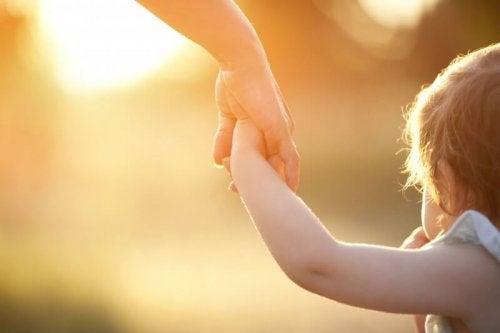 gün batımı ve çocuk