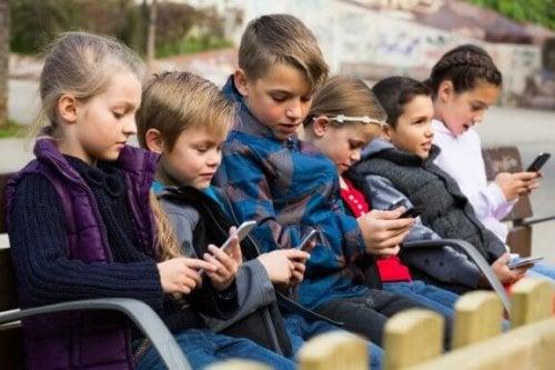 Çocuklukta teknoloji kaynaklı rahatsızlıklar