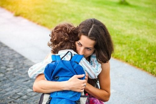 Aşırı Koruyucu Ebeveynliğin Oluşturduğu 9 Tehlike