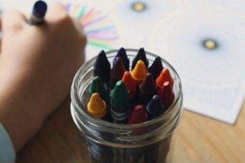 Çocukların Çizdiği Resimlerdeki Renklerin Yorumlanması