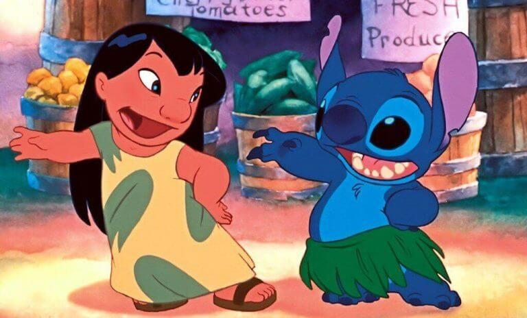 Lilo ve Stiç dans ediyor
