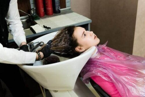 Kadınlar Hamilelik Döneminde Saçlarını Kalıcı Olarak Düzleştirebilirler Mi?