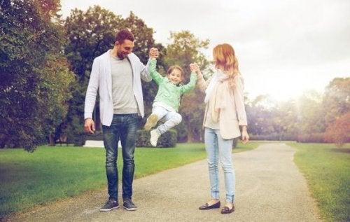Koruyucu Aile Nedir?