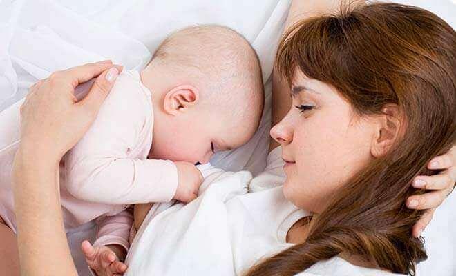 astıma karşı bebeği emzirme