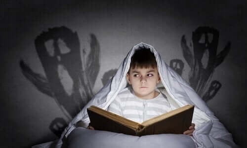 Çocukluk Korkuları ve Bunların Üstesinden Gelmek