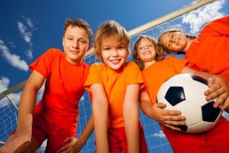 çocuklarda takım ruhunu geliştiren spor çeşitleri