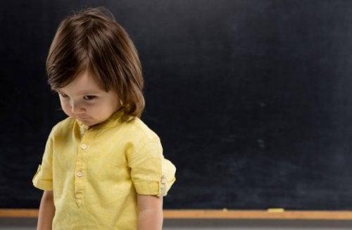 Çocuklukta Utangaçlık ile Nasıl Başa Çıkılır?