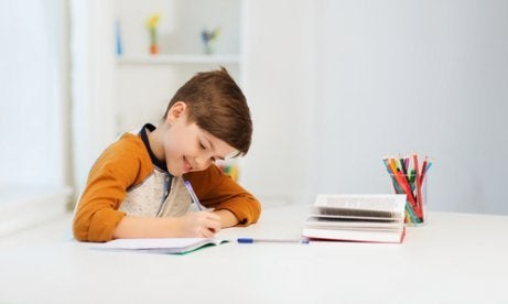 Çocuklarda Öğrenme Güçlüklerinin Sebepleri ve Çözüm Yolları