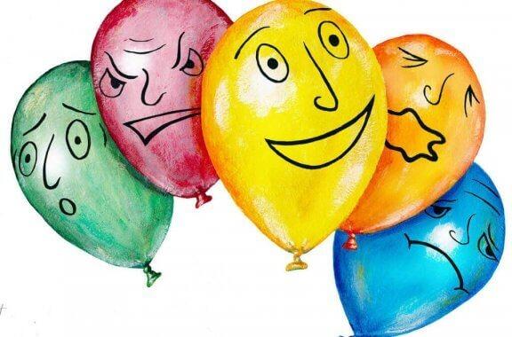 üzerinde duygu ifadeleri yer alan balonlar