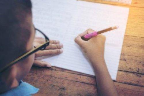 çocukların el yazısını geliştirmek