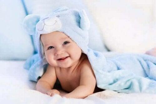 Bebeğiniz için Alt Değiştirme Masası ve Minderi