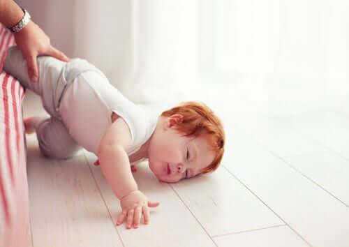 Çocuğunuz Kaza Sonucu Kafasını Çarparsa Ne Yapılmalı?