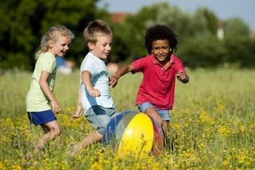 Açık Havada Çocuklarınızın Eğlenebileceği 3 Yeni Oyun
