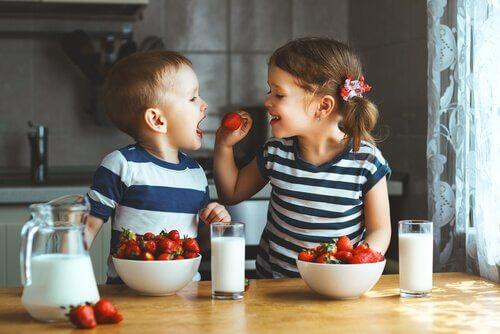Çocuklar İçin Meyveli Kekler