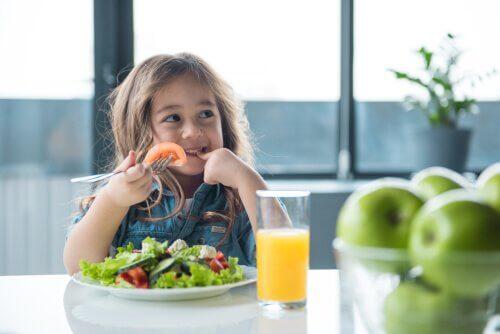 Çocuğunuza Sağlıklı Beslenmeyi Öğretiyor Musunuz?