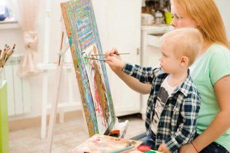 çocuklar için sanat terapisi