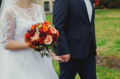 Gelinler Düğünde Neden Beyaz Gelinlik Giyer?