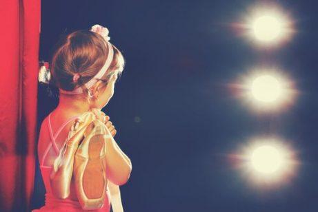 küçük balerin kız