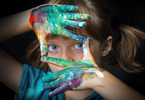 Çocuklarda Sanat Terapisi için 12 Fikir