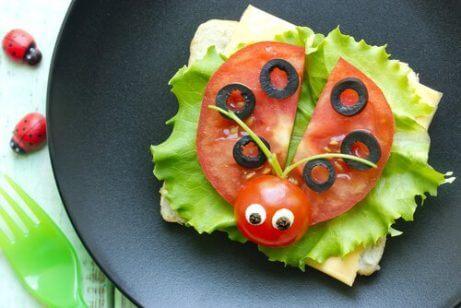uğur böceği şeklinde sebzeler