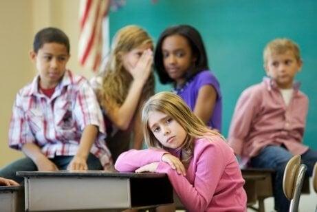 Yaşıtlarınca Kabul Görmeme: Dışlanan Çocukların Sorunu