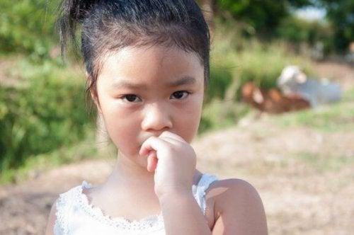 Çocukların Tırnak Yemesine Nasıl Engel Olursunuz?