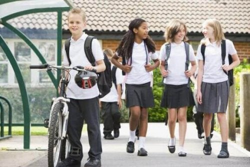 Okul Formalarının Avantajları ve Dezavantajları