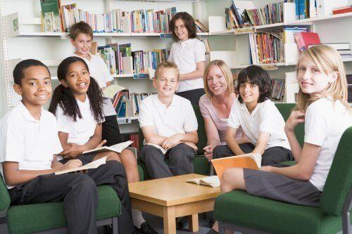 okulda forma giymenin avantajları