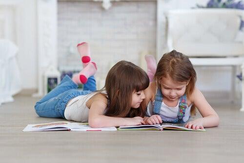 Çocuklara Okumayı Öğretmek İçin En Uygun Yaş