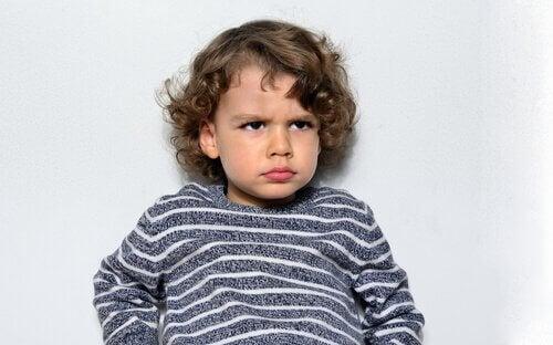 Çocuklarda Mızmızlanma: Gerçek mi Manipülasyon mu?