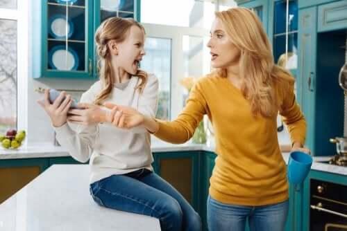 Anne ve Babalar Çocuklarının Sosyal Medya Hesaplarını Kontrol Edebilir Mi?