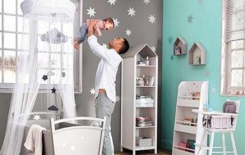 gri ve mavi bebek odası