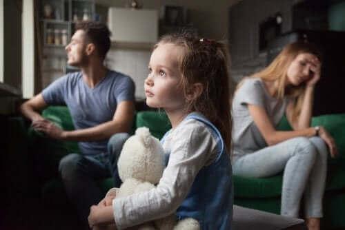 Çocuklarınızın Hatırına Evliliğinizi Sürdümeli Misiniz?