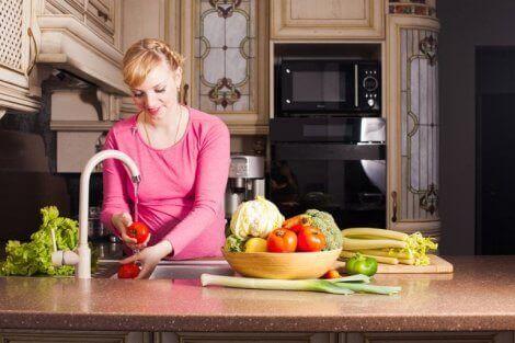 Sindirim sağlığınızı düzeltmek için yiyebileceğiniz sebzeler