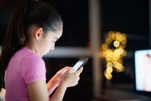 Çocuklarımızın İnternet Erişimini Nasıl Kontrol Etmeliyiz?