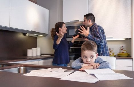 Çocuklarınızın hatırına kavga etmenize rağmen ayrılmamak