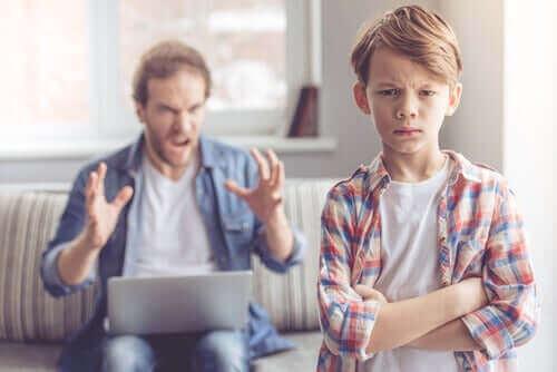 Karşıt olma karşı gelme bozukluğu olan çocuk