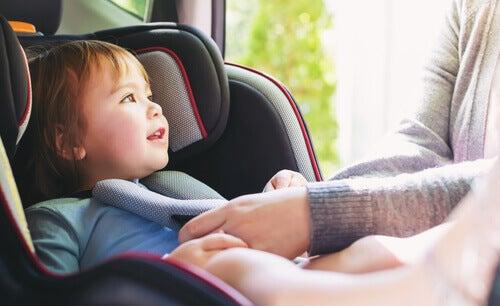 Çocuklu Trafik Kazaları Nasıl Önlenir?