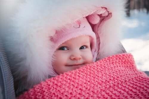 Yeni Doğan Bebekler İçin Kışlık Giysiler