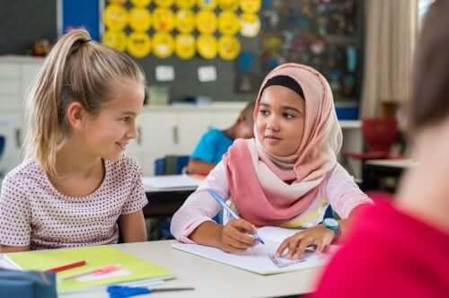 Okul arkadaşları yardımlaşıyor