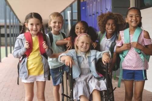 Okulda farklı öğrencilerin bir araya gelmesi