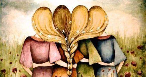 dört kız saçlarını örmüş