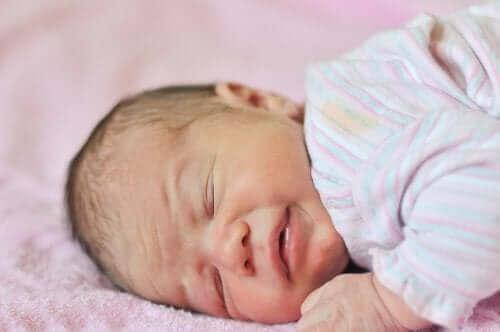 Bebeklerde Anemi: Nedenleri, Belirtileri, Tedavisi