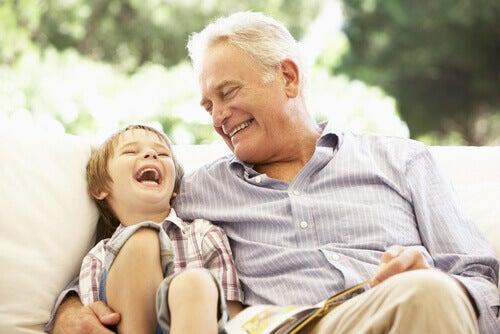 Babaanneler, Anneanneler ve Dedelerle Torunlar Arasındaki Özel Bağ