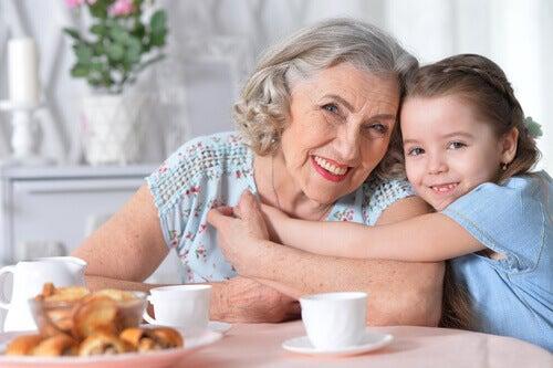 büyükanne ve torun ilişkisi
