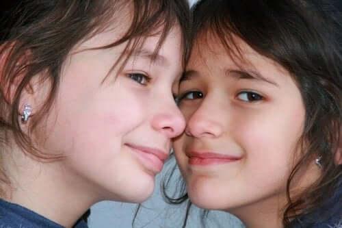 İki kız kardeş