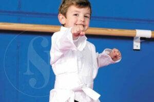 Karate yapan çocuk
