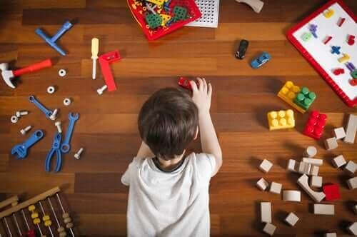 Oyun alanını düzenleyerek legolar için yer açmak