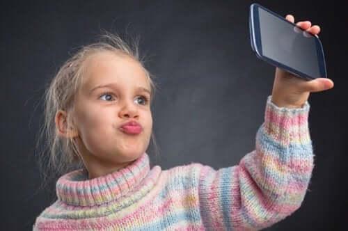 Narsist Bir Çocuk Yetiştirmeyi Önlemenin 6 Yolu