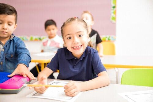 okula başlama yaşında kız